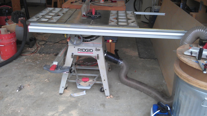 The saw with the flange