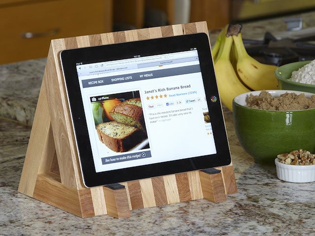 Wood Magazine's book and tablet stand