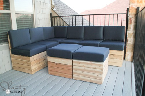 http://www.shanty-2-chic.com/2014/10/diy-modular-outdoor-seating.html