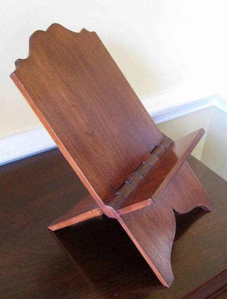 A Roubo bookstand